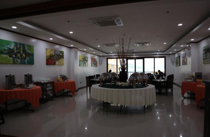The sunlight guest hotel restaurant.