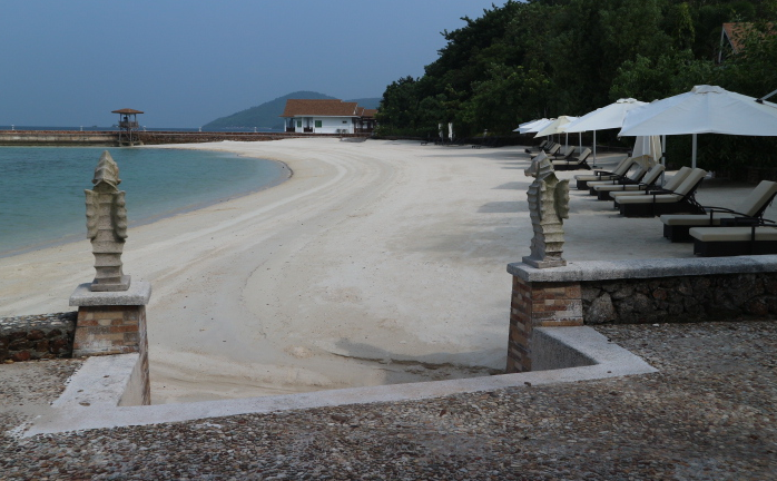 The beach side of sunlight eco-tourism resorts.