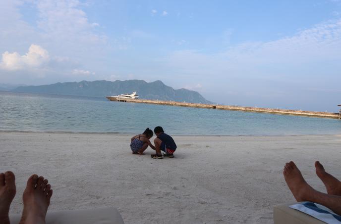 Sunlight Eco-tourism beach side.