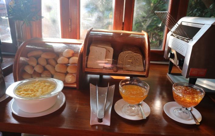 Sunlight eco-tourism resorts buffet breakfasts.