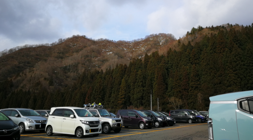 Nox ski resort parking area.