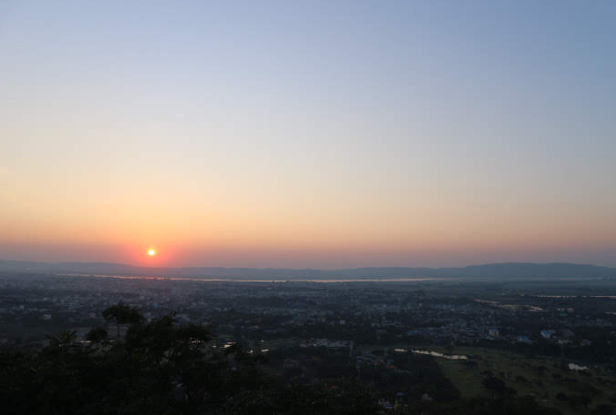 The sunset of Mandalay hill.