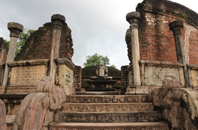 Buildings of Polonnaruwa.