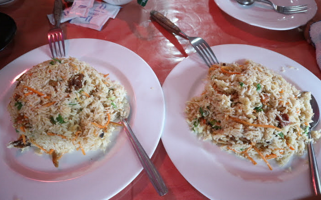 Fried rice in big serving at Dambulla.