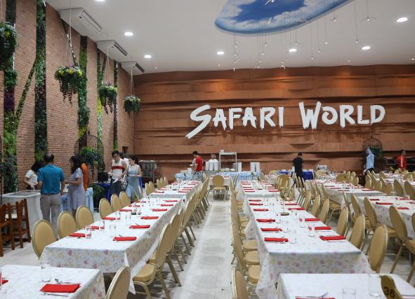The Safari Aviary Restaurant, Thailand.