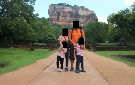 Family picture before climbing the Sigiriya rock.