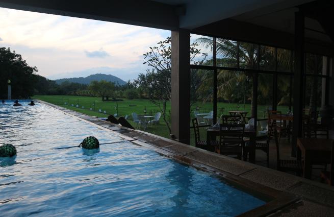 A pool of Sigiriana hotel.