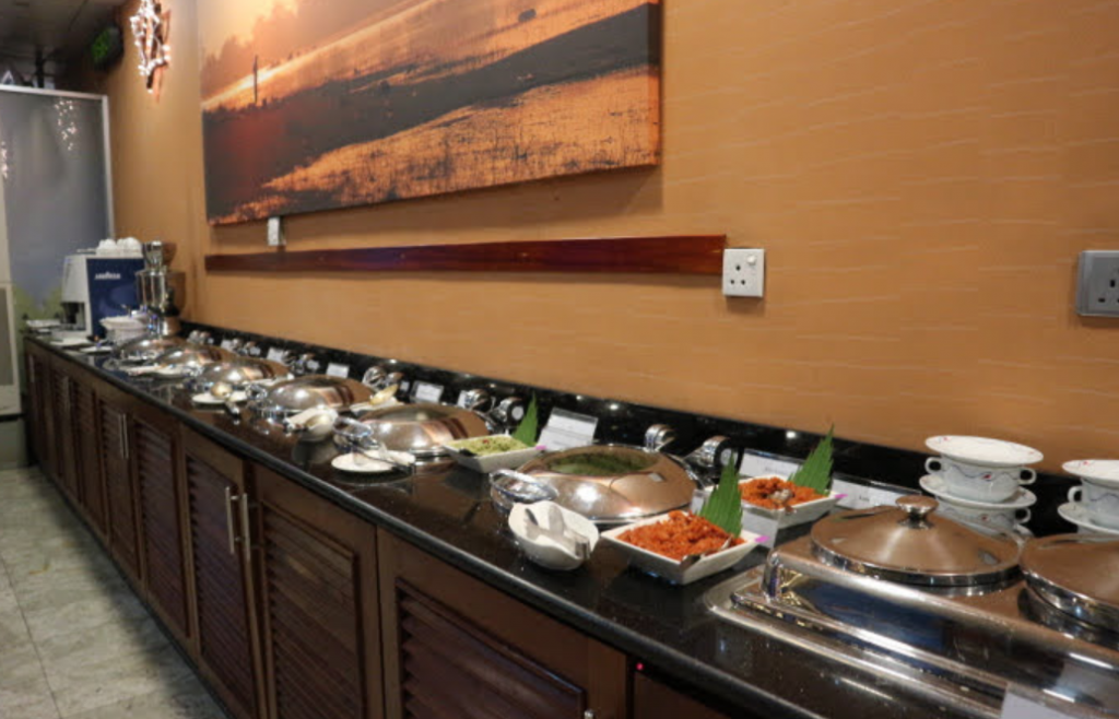 The Buffet table of  Serenediva Lounge.